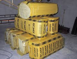 Isoler och inredningspaket (95/120 mm) med väggspånskivor, takpanel, asfaltboard och 1 ventil